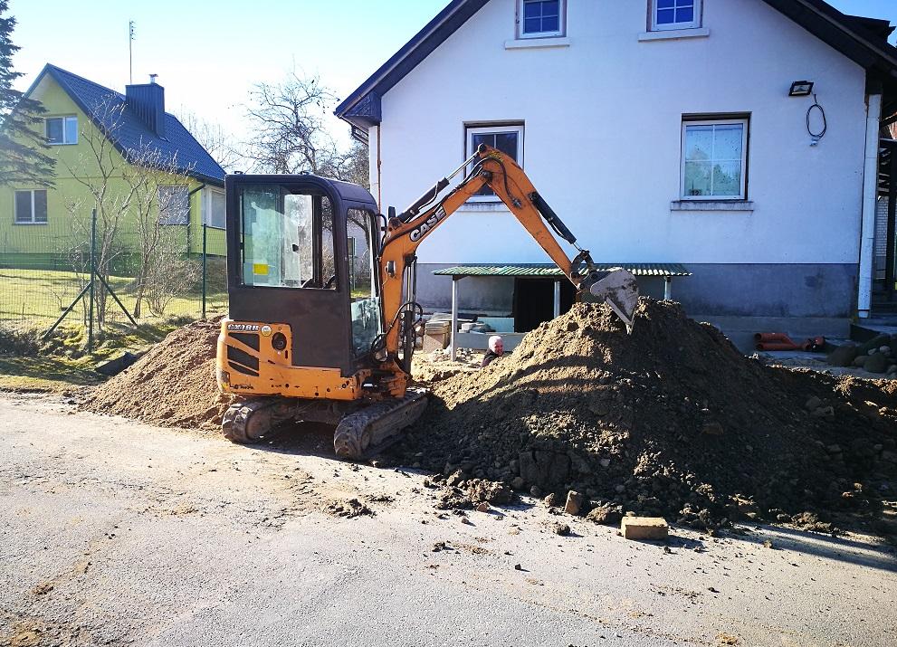 Mini ekskavatoriaus nuoma Vilniuje Polių gręžimas Bobcat nuoma 6